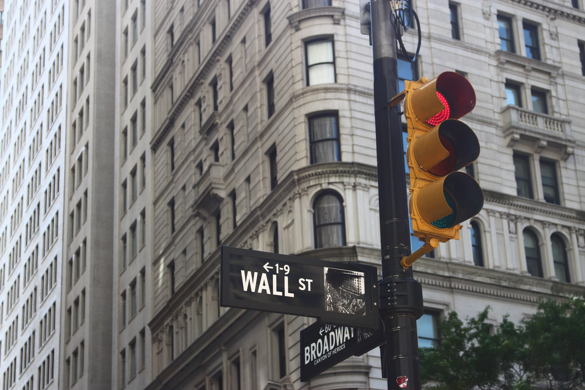 Six Golden Tips To Invest In The Stock Market